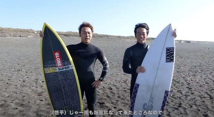 【kumebros最新動画】さすがな結末!w 粂悠平と粂浩平が兄弟でサーフボードを交換セッション