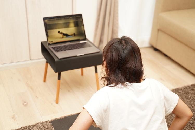 パーソナルジム大手24/7ワークアウトが始めた「オンラインレッスンサービス」を体験してみた。おうち時間で効率的に筋トレ&運動不足を解消