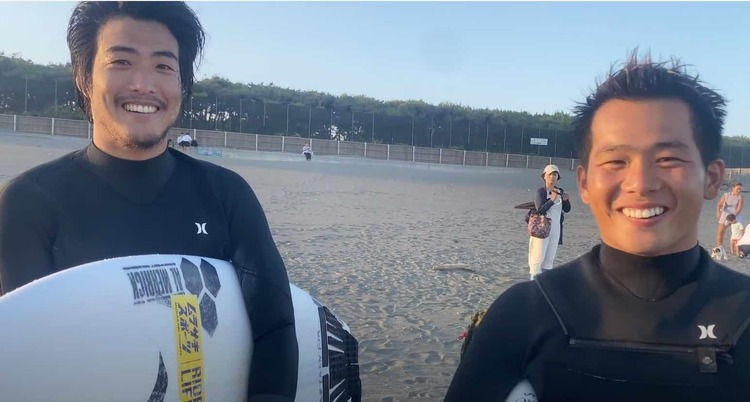 【oceanpeople最新動画】大橋海人が毎朝欠かさず飲んでいるアサイスムージーの作り方からの大原洋人との湘南オンショア・セッションで焼肉ごちそうさま