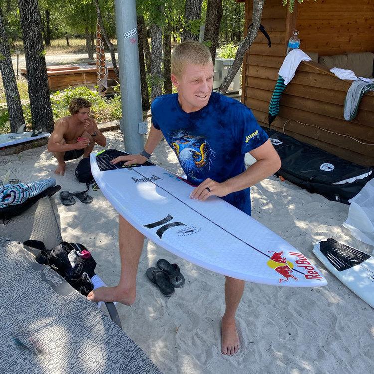【最新サーフボード】Kolohe Andinoが監修して生まれたハイブリッドなフィッシュもリリース! スノーボードから生まれた環境に優しい独自のテクノロジーEZA EPSを使用するLib Tech surfboardsに迫る!!