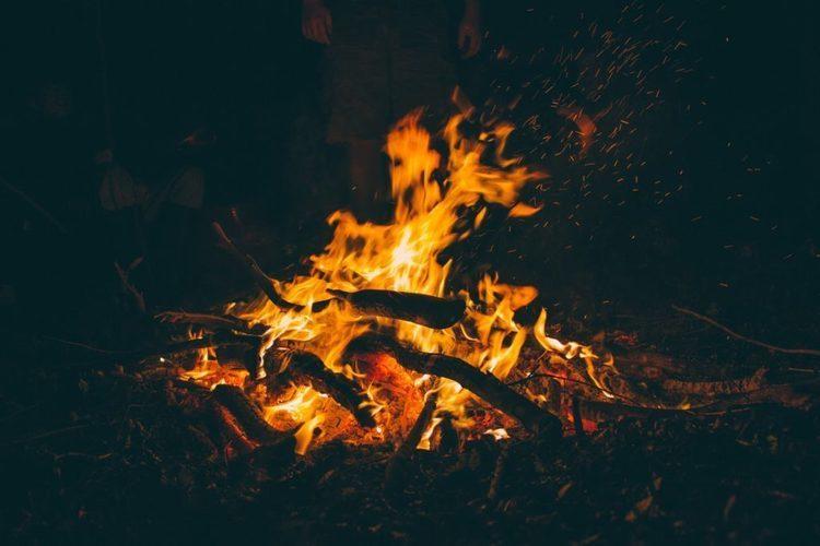 【癒し】焚き火でヒーリング。自宅で焚き火を感じる2つの手段【焚き火】