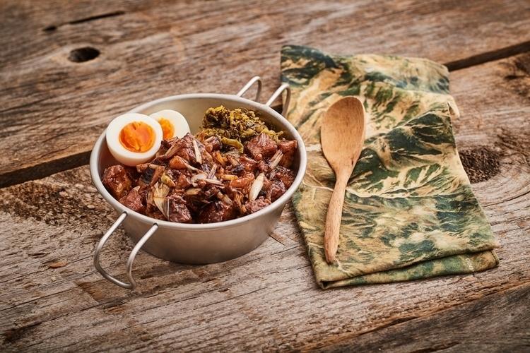 かんたん山ごはん #55 身近な食材で台湾風「レトルト角煮のルーロー飯」