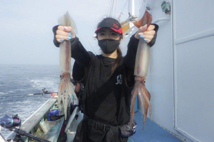 イカ釣行に必須のリチウムイオンバッテリーとは?ベストシーズン スルメイカの釣り方や美味しい食べ方まで大公開!