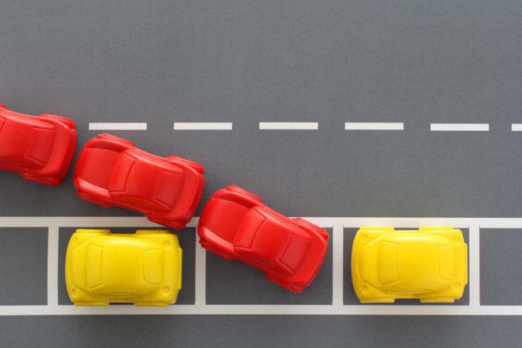 縦列駐車のやり方とコツ|苦手な人向けのアイテムやオプションも