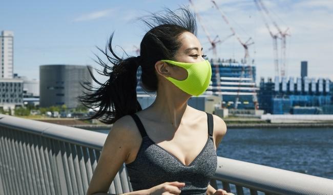 アスリートの口コミで話題沸騰【バルザーリ】のマスクが通気性バツグンで売り切れ続出
