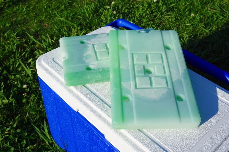 ロゴスの氷点下パックでクーラーボックスがキンキンに! もう普通の保冷剤に戻れませんっ!|マイ定番スタイル