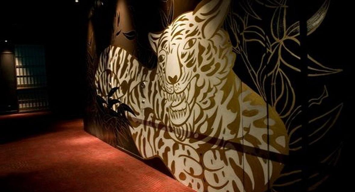 木村英輝氏 迫力の壁画