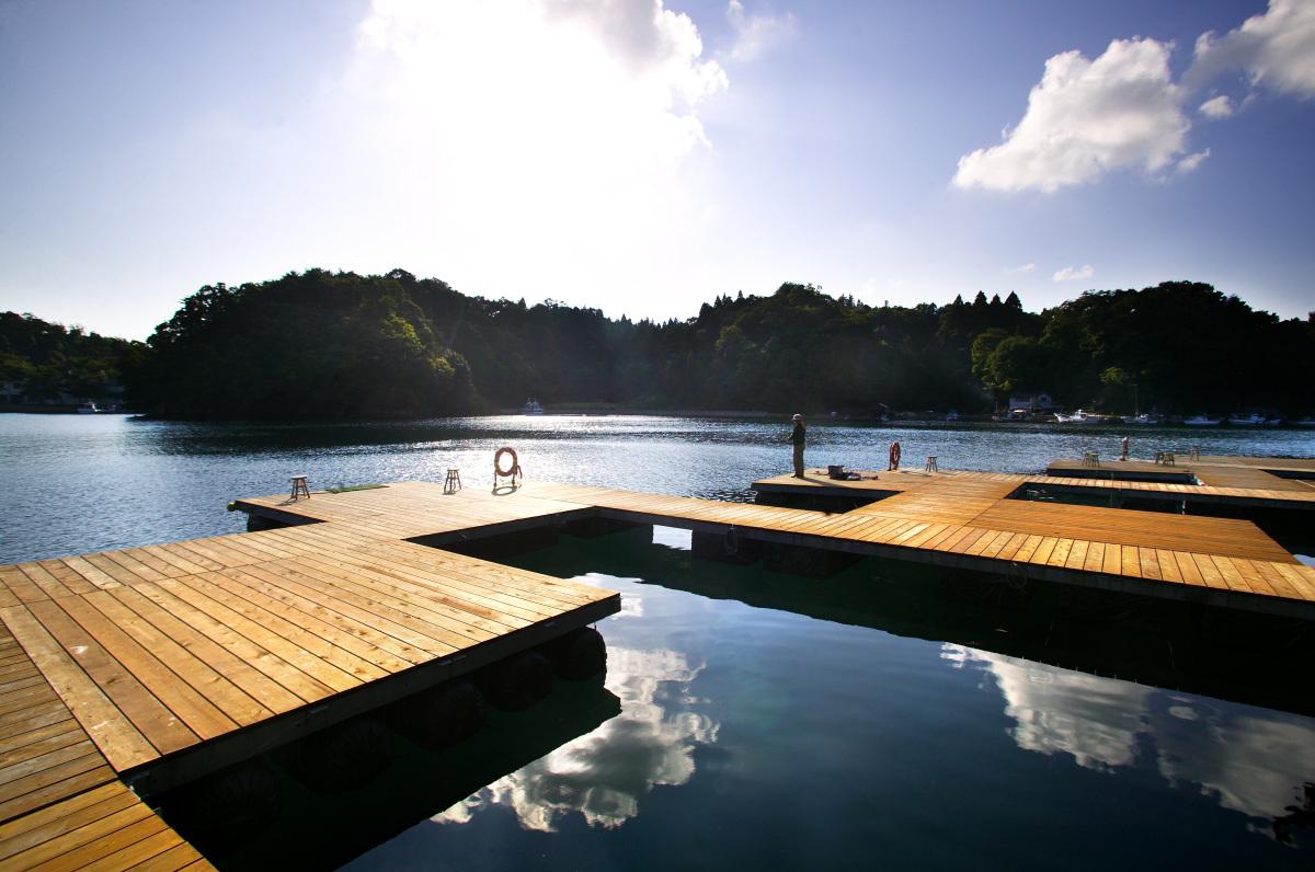 百楽荘ではお客様専用の釣り桟橋をご用意しました。
