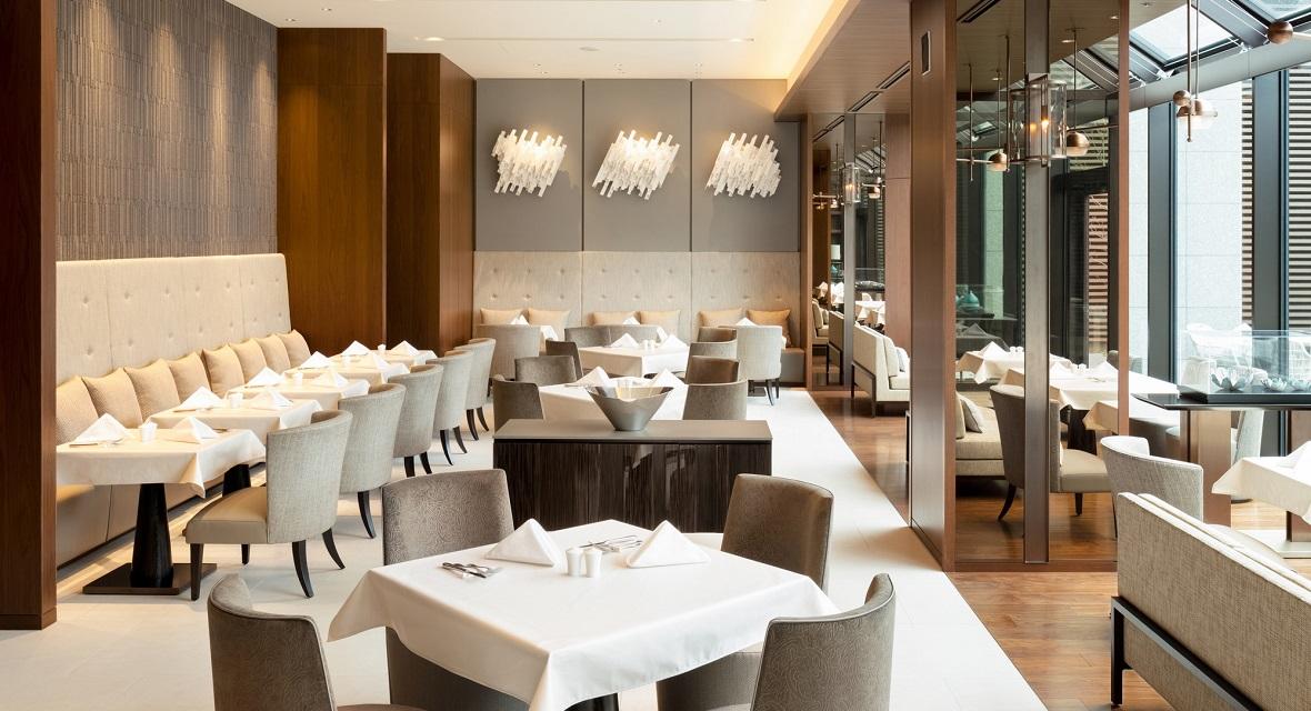 シンガポール、チャイニーズを中心にインターナショナルなお料理を提供しているレストラン「トリプルワン」