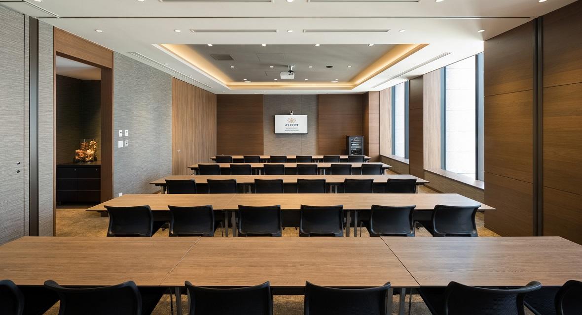【会議室①】参加人数によって、広さの異なる会議室をご用意しております。※ご利用料金が別途発生いたします。