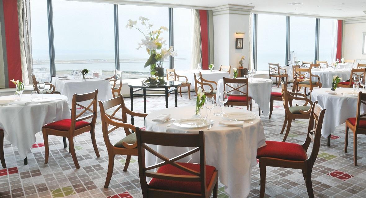 【フレンチレストラン トランテアン】ポートピアホテル最上階。フランス ミシュランガイド二つ星「ラ メール ブラジィエ」 初の提携店。