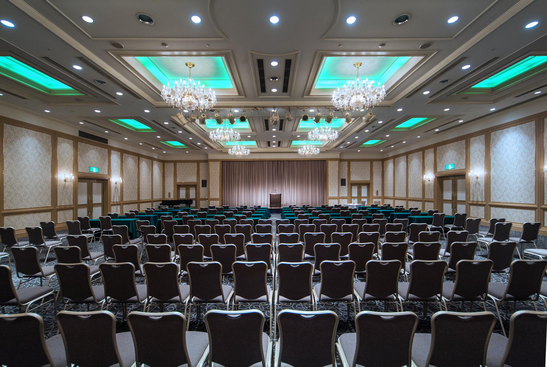 レセプションなどお客様をお迎えするにふさわしい優雅な会場もございます。