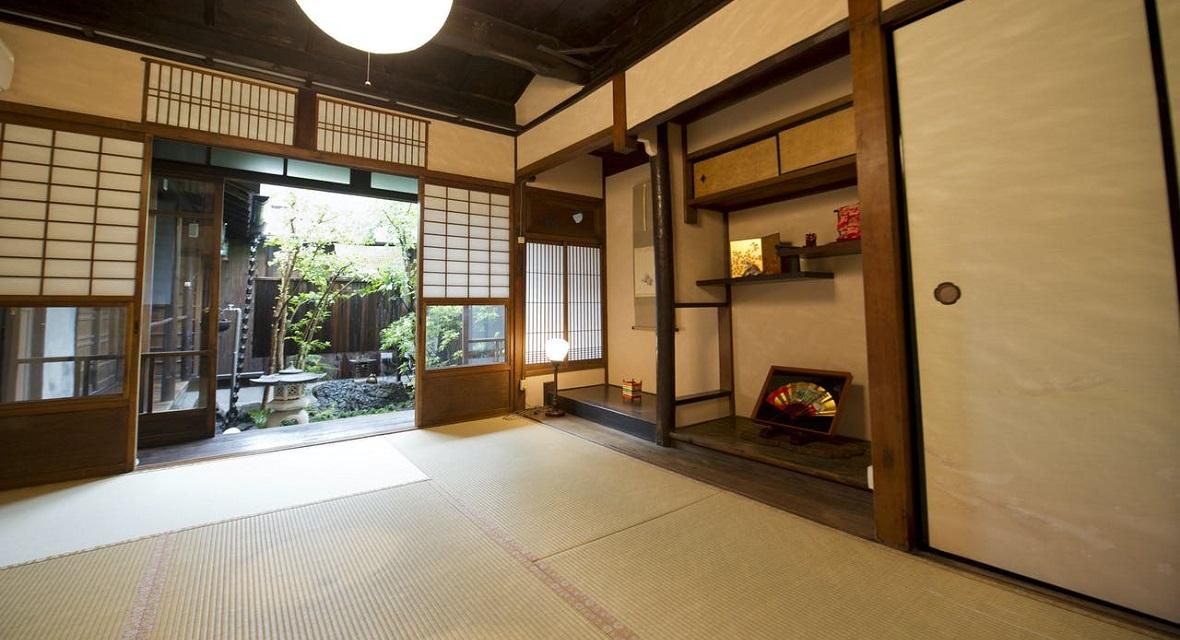 【1階和室(6畳)】京情緒漂う床の間(昼)