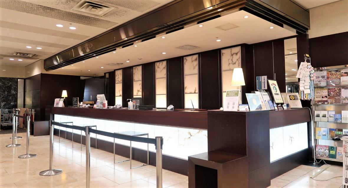 【ホテル・フロント】郡山ビューホテルアネックスでは、最上の贅沢と最高のおもてなしで皆様をお迎えいたします。