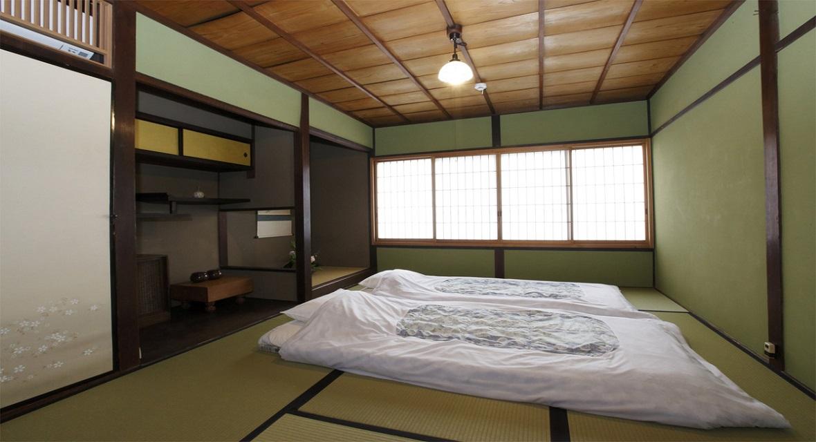 【和室6畳】ダイニングキッチンの奥にある和室
