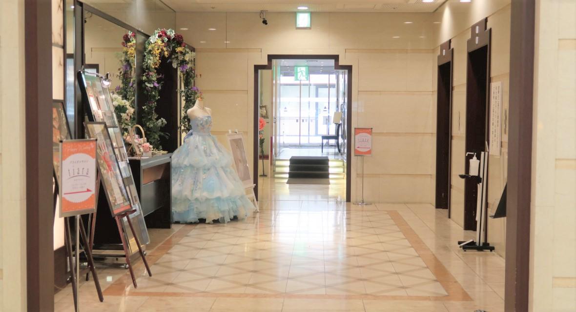 【郡山ビューホテルアネックス エレベーター前】館内全体にクラシカルな気品が漂う。