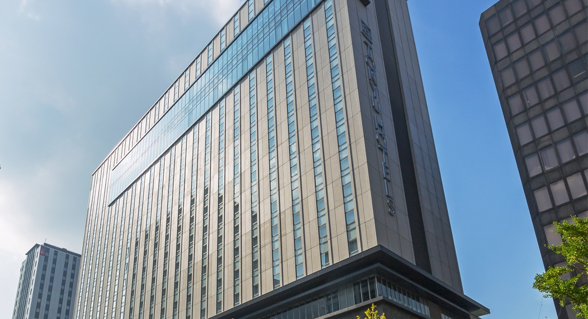 【大阪エクセルホテル東急】本町駅まで徒歩2分 心斎橋まで徒歩6分とアクセス至近。