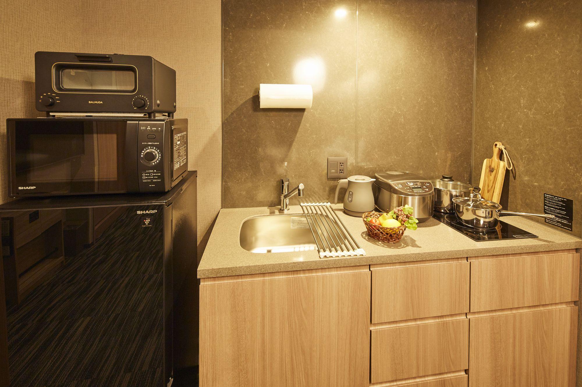 スチームでパンを美味しくいただけるバルミューダのトースターを各お部屋にご用意しております。