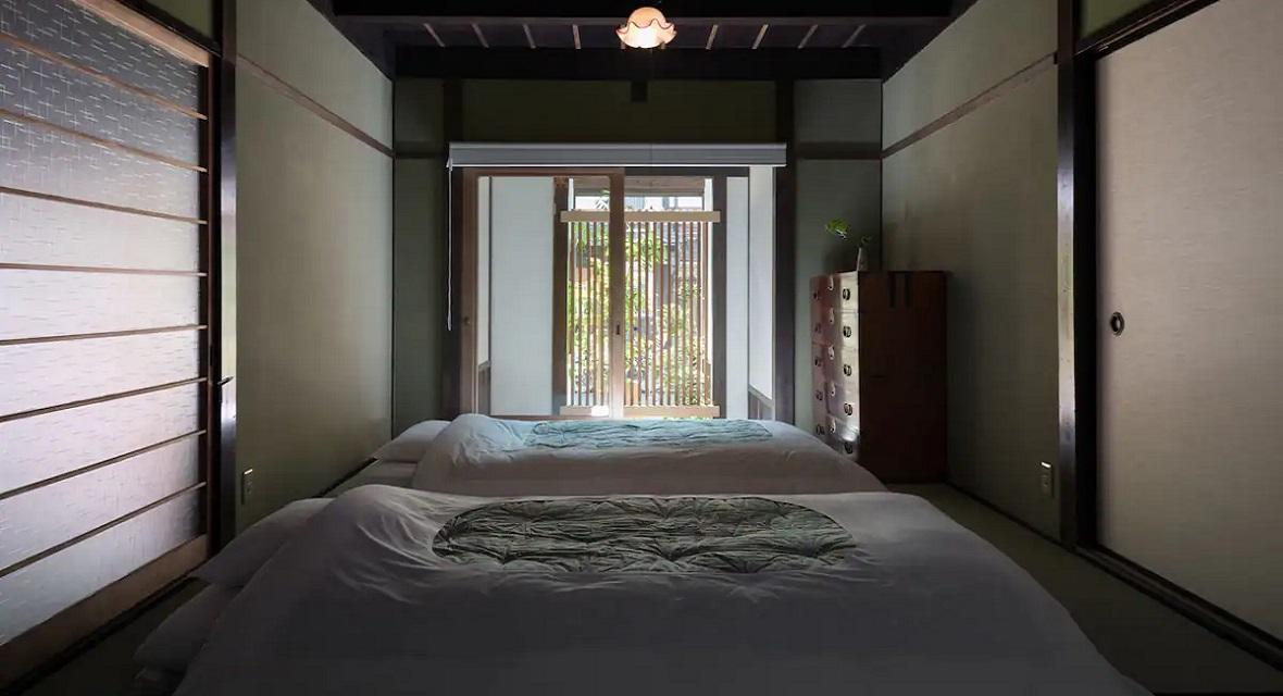 和室は、最大3名様までご利用いただけます。エアコン、床暖房を完備しておりますので、一年中快適に過ごしていただけます。