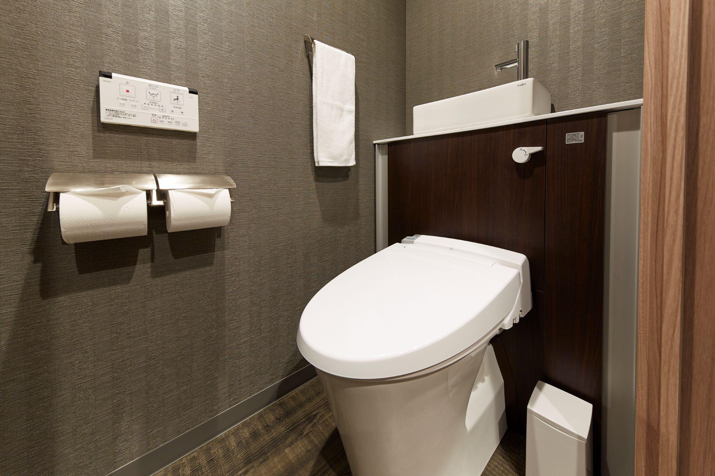トイレも大切なプライベート空間 最新型を完備しております