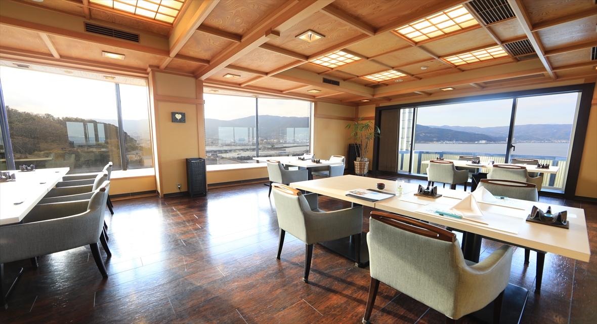 【9階レストラン~蒼海~】料理と同様に景色も素晴らしいです