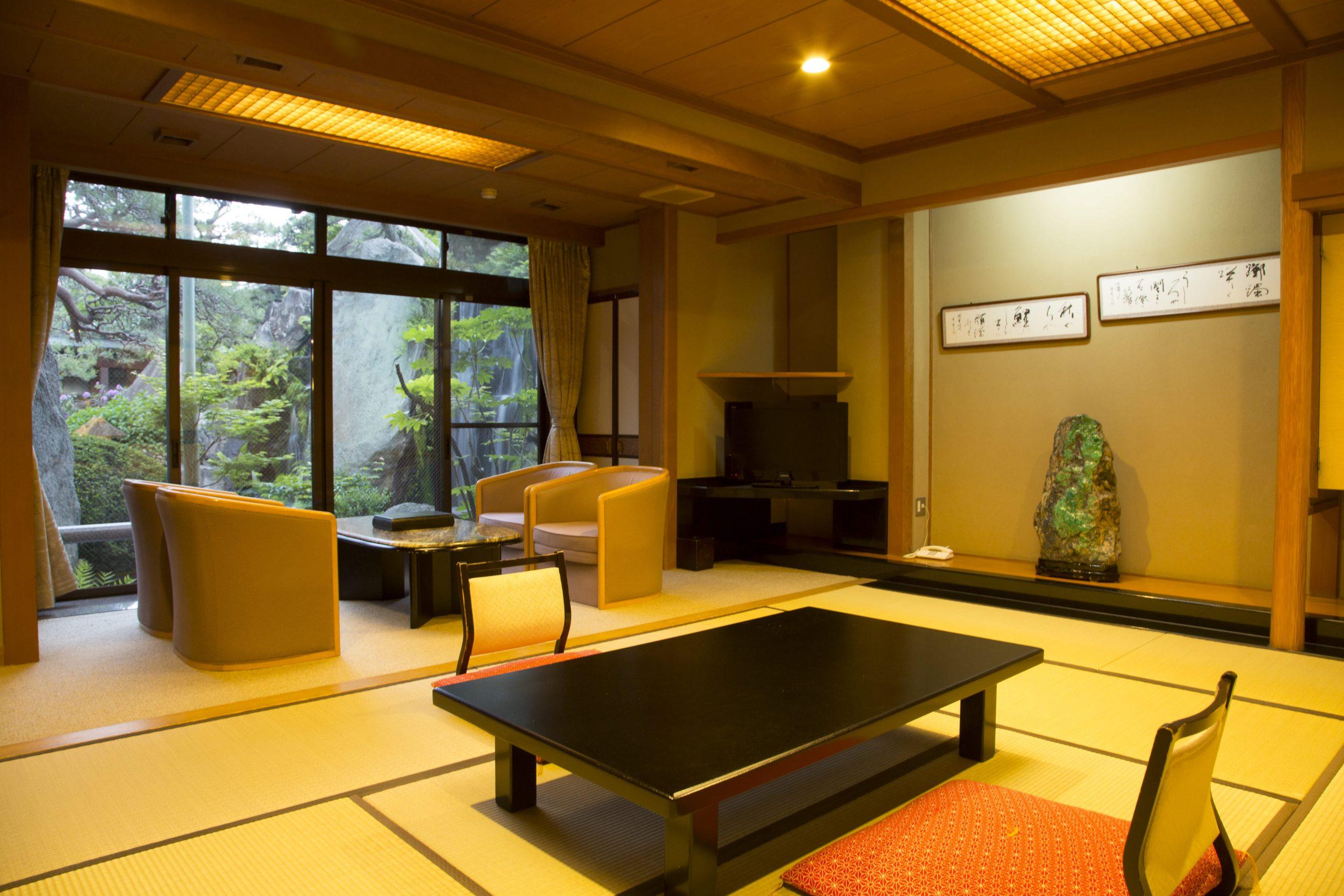 純和風の造りが、ほっと心落ち着く客室です。