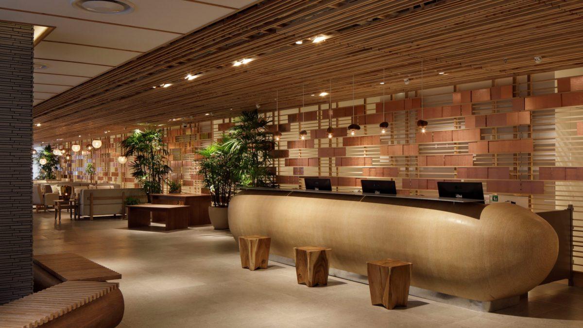 客室を含むホテルの内部空間などに地域環境に根差したデザインを施し、日本らしさ・京都らしさを表現しました