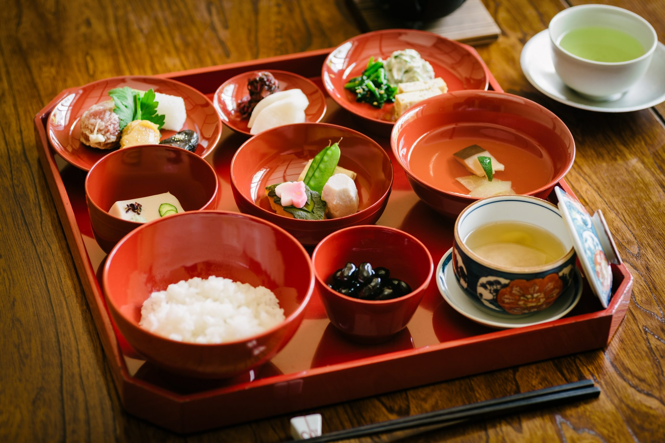 京の老舗「泉仙」仕出しの精進朝食:3,300円(税込)をオプションでご用意できる。