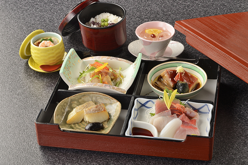 夕食オプション「会席弁当」イメージ