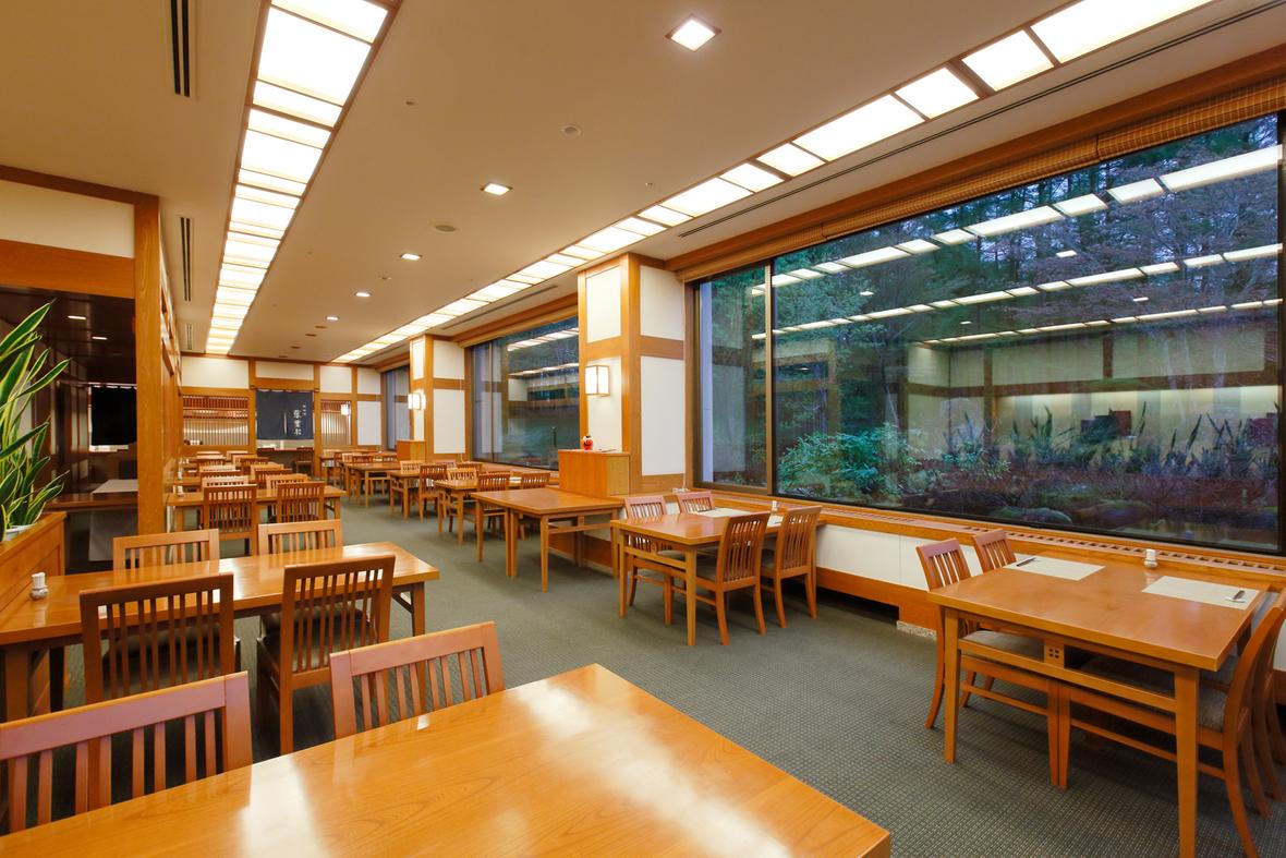 【食事処・日本料理レストラン『吾妻』】落ち着いた雰囲気の中、本格日本料理を存分に味わえます