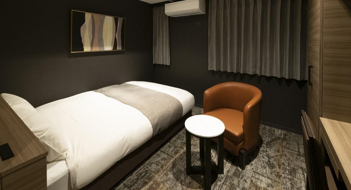 プレミアムダブル コンパクトながらくつろぎと機能性を備えた客室はシングルユースにもおすすめ。