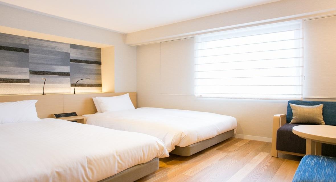 プレミアムツインルーム 和紙の壁紙とフローリングが特徴的なプレミアムツインはご家族旅行にもオススメです。
