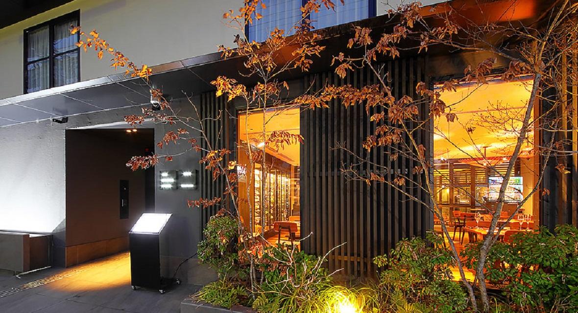 【THE GENERAL KYOTO Takatsuji Tominokoji <高辻富小路>】住まうように滞在する。京都の中心地に5棟を有する『分散型ホテル』内の1棟。