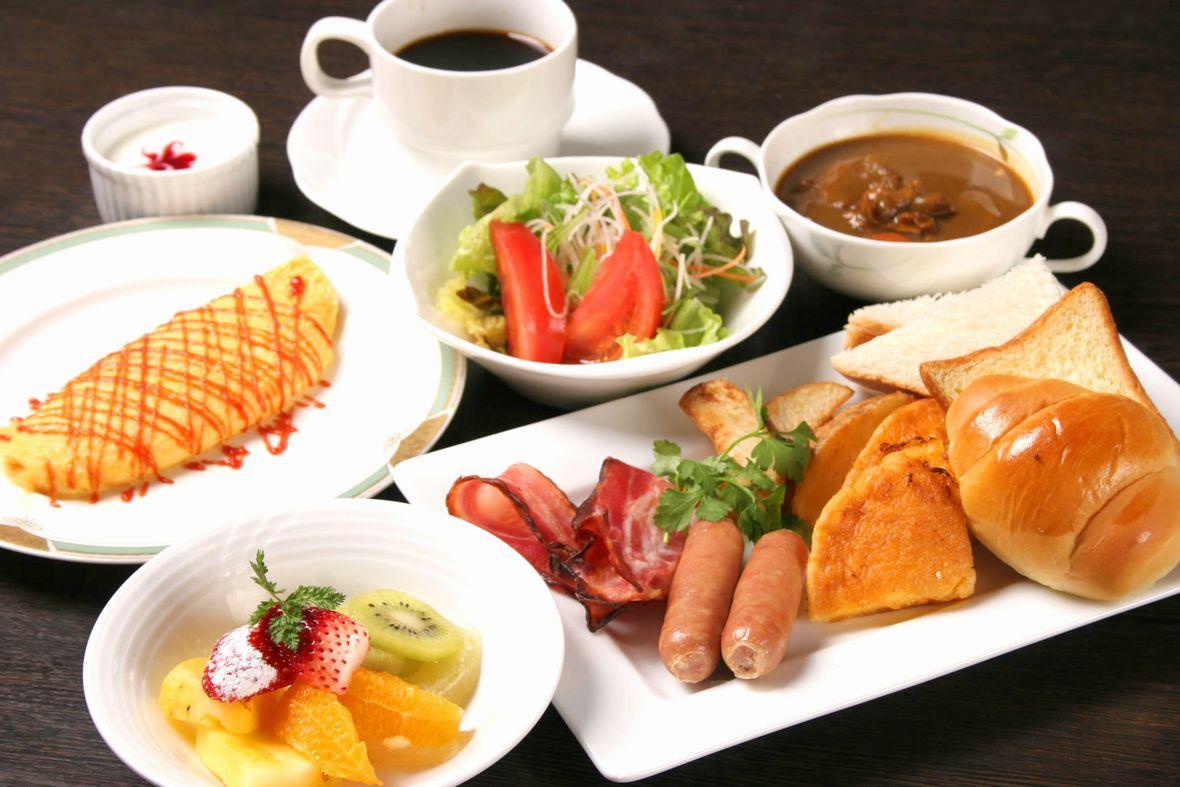 那須高原の爽やかな朝に相応しいご朝食は 旬な素材をふんだんにお召し上がりいただけます。