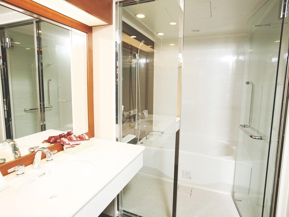 【「プレミアツイン」「エグゼクティブツイン」「ジュニアスイート」バスルーム・例】左記の部屋タイプはトイレとお風呂が別々になってます