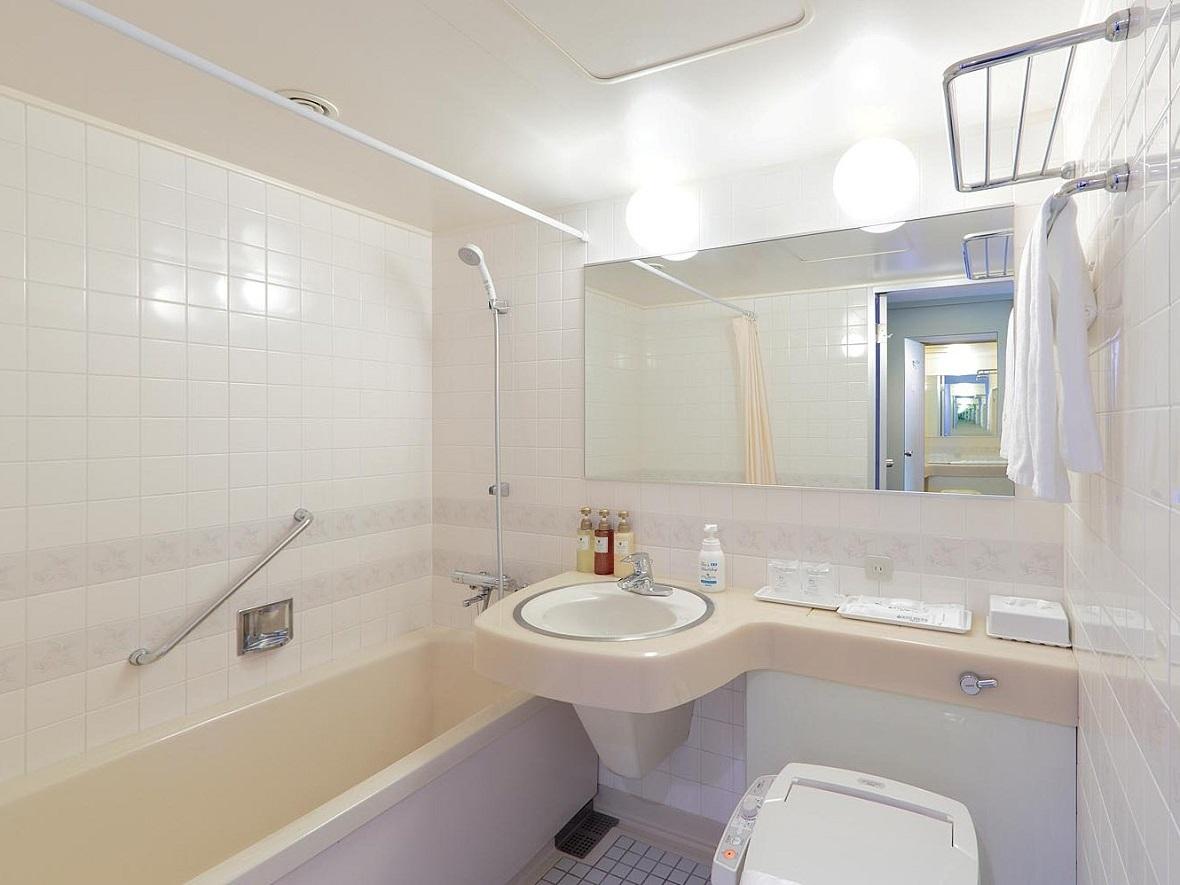 全室とも広々とした快適なバスルームでお客様からご好評いただいております。(バスタブは足が伸ばせてゆったり出来ます。)