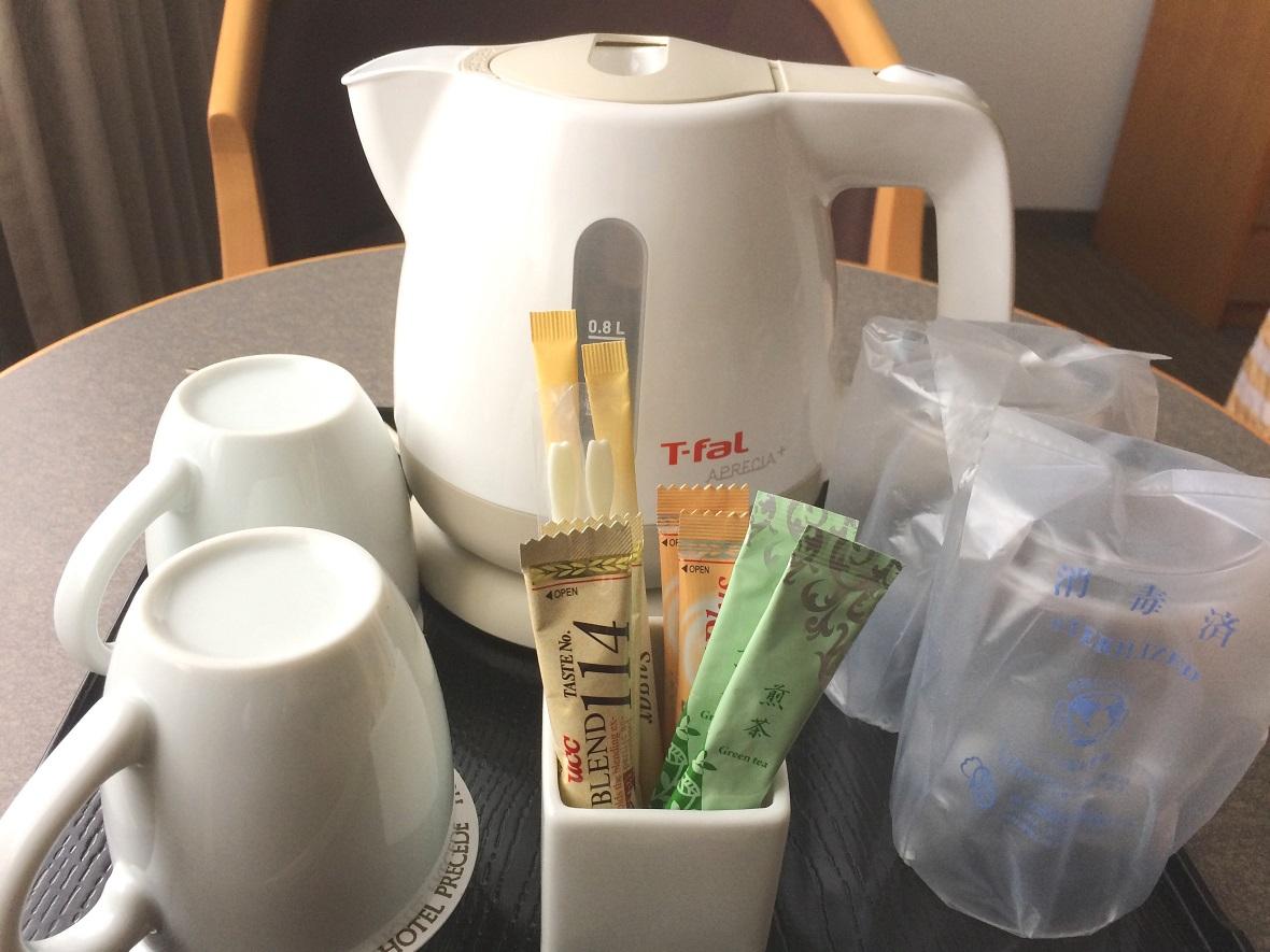 客室にはコーヒー・お茶セットをご用意。仕事の合間にちょっと一息。