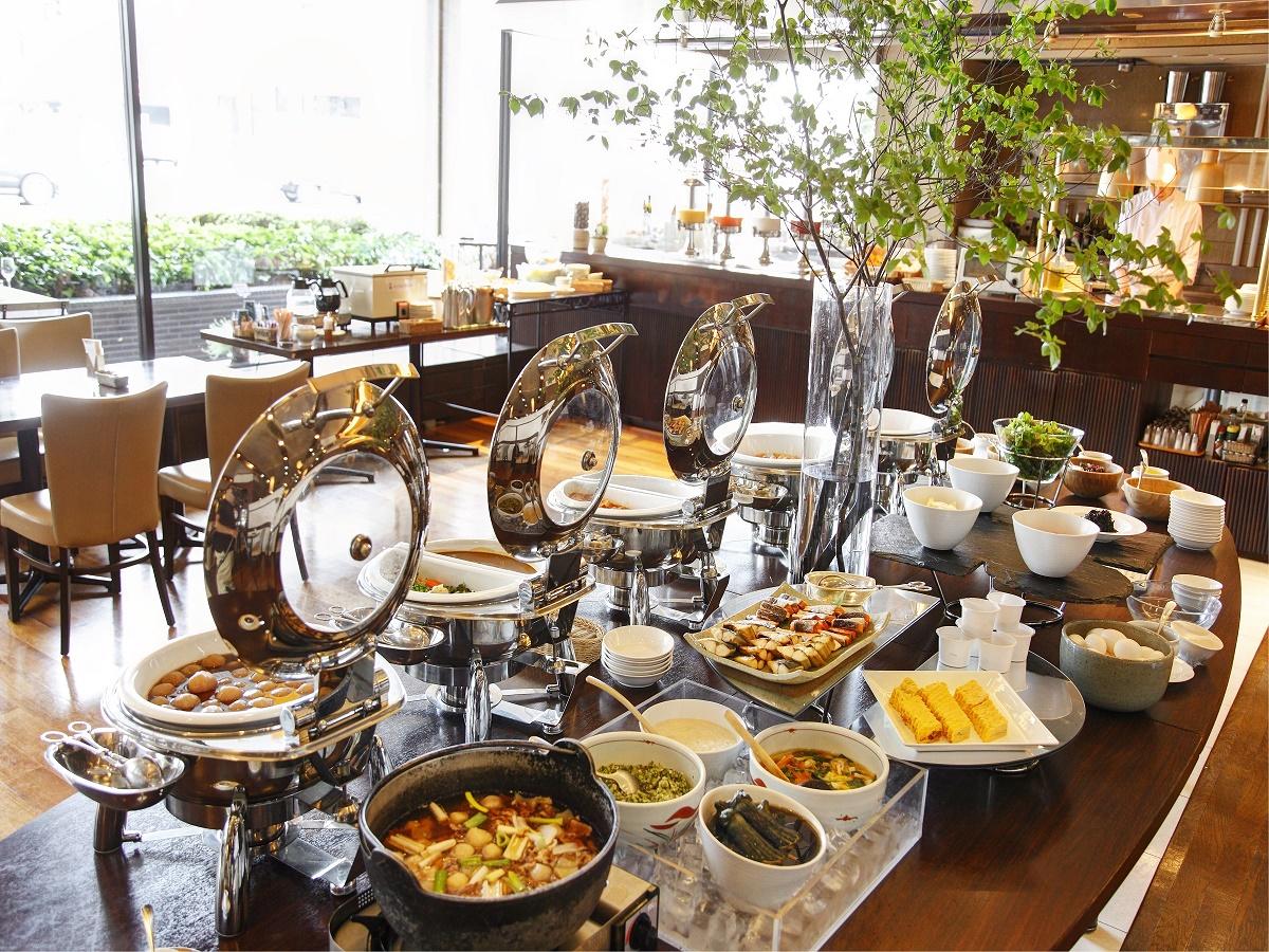 【オプション朝食・和洋バイキング・イメージ】各旅行サイトでも受賞や口コミ高評価で大人気の朝食。通常お一人様2,000円のところ、ザ・ワーケでは特別料金1,500円(税込)でご利用いただけます