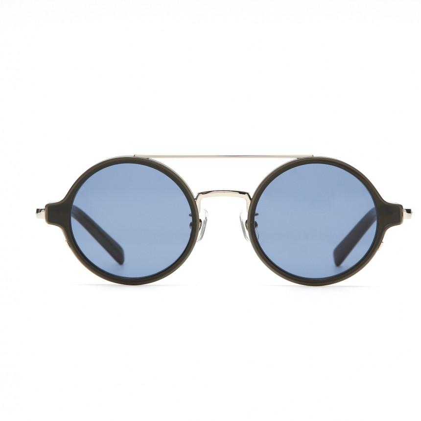 ブランドアイテムのサングラス