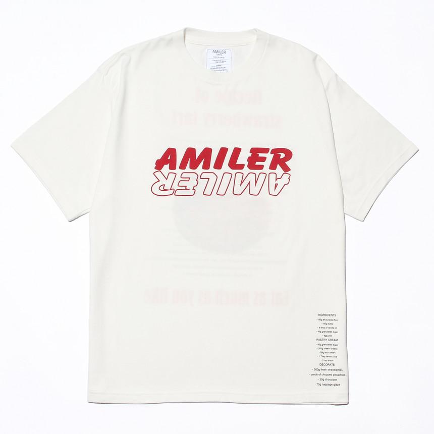 白色のTシャツ