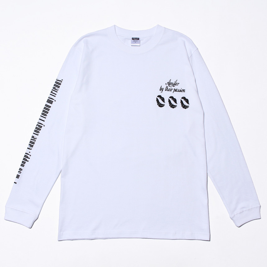 白色のロングTシャツ