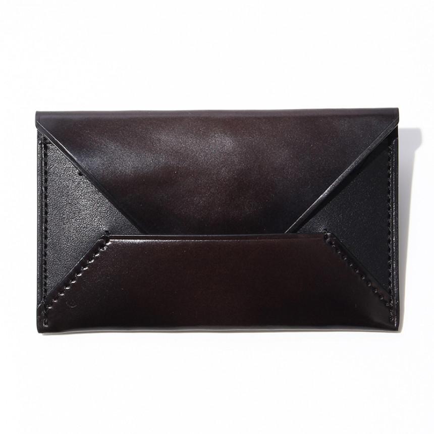 黒の革製のカードケース
