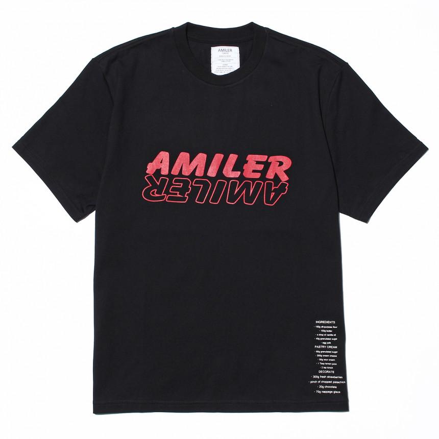黒色のTシャツ