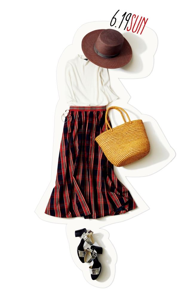 ひと足早く夏のお嬢さんに♡ 週末デートは、白トップス×華やかチェックスカートで出かけよう!