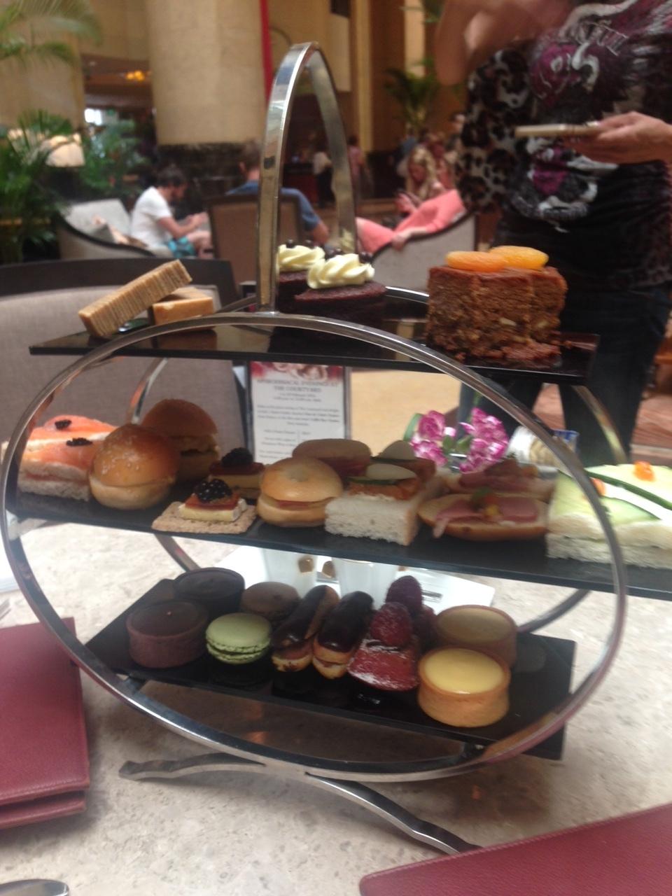 優雅なザ・フラトンホテル シンガポールのアフタヌーンティー