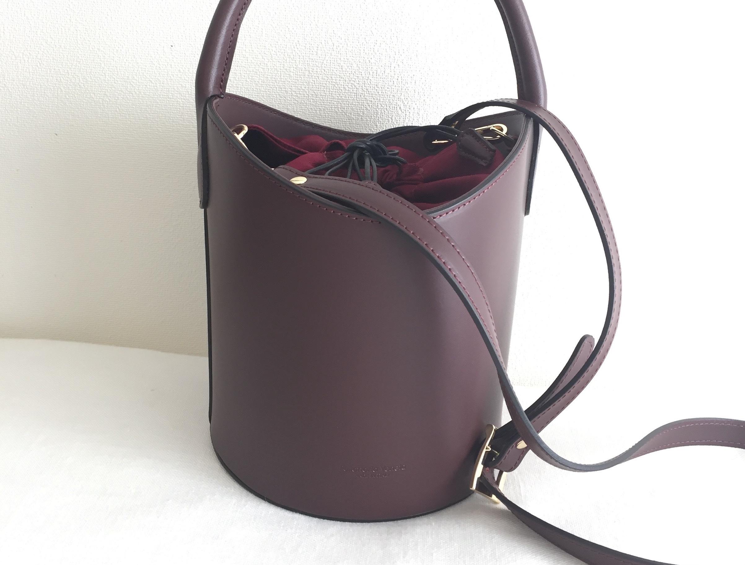 売り切れ寸前!「PELLETTERIA VENETA」の高見えバケツ型バッグ