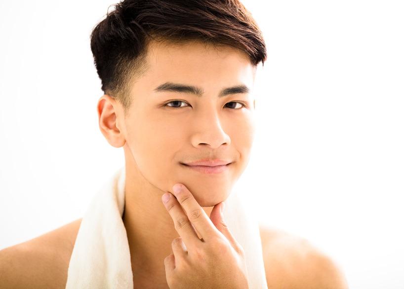 髭脱毛後のどろぼうひげは自然に治る