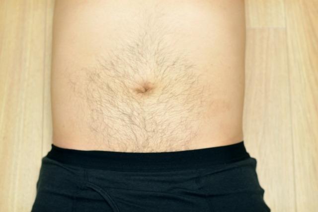 腹毛が濃い5つの原因を解説