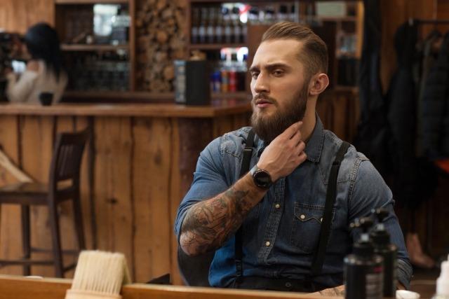 髭の伸ばし方で変わる印象と心理
