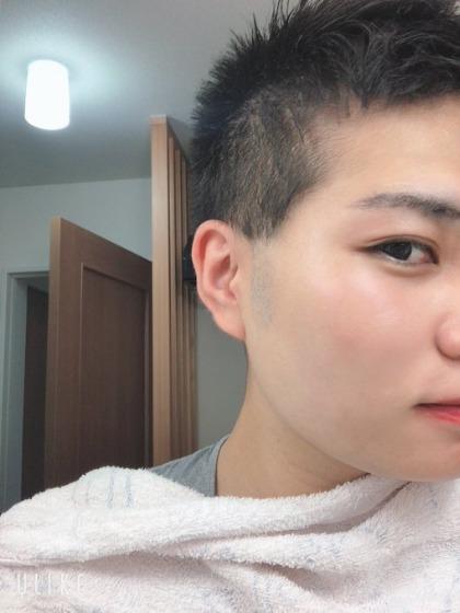 メンズのもみあげの白髪が目立たない髪型を紹介